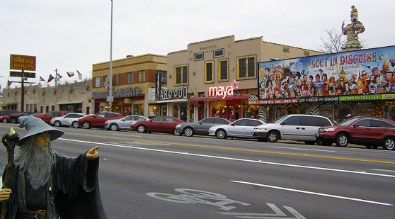 "South Congress Shopping - Picture Compliments Of Barbara Slough (Flickr User ""Merbrat"")"