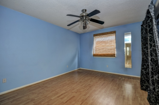 The Bedroom At 2104 Cullen Avenue #121 Austin Texas