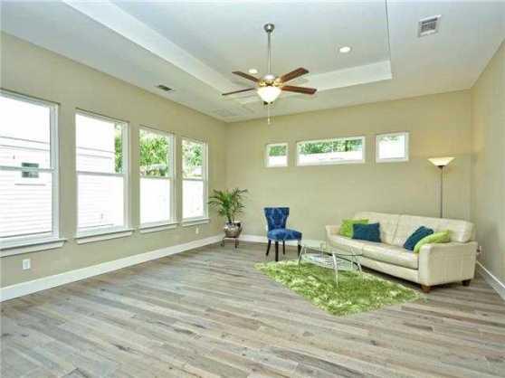 5110 Martin Avenue Austin Texas 78751 Living