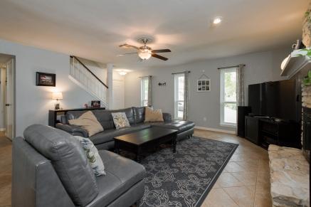 1039 Wisteria Trail Austin TX 78753 Living Room 2