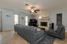 1039 Wisteria Trail Austin TX 78753 Living Room